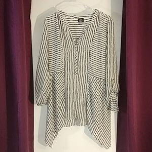 Bobeau Black & White Shirt size XL